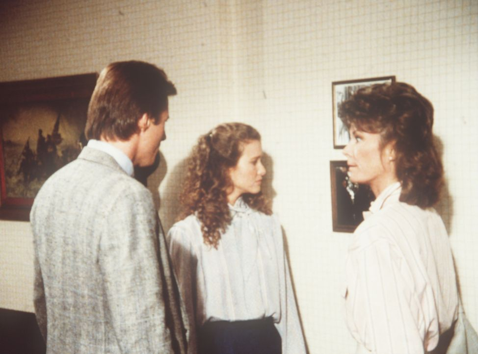 Lee (Bruce Boxleitner, l.) und Amanda (Kate Jackson, r.) kümmern sich um Penny (Molly Hagan, M.), deren Vater auf mysteriöse Weise ums Leben gekomme...