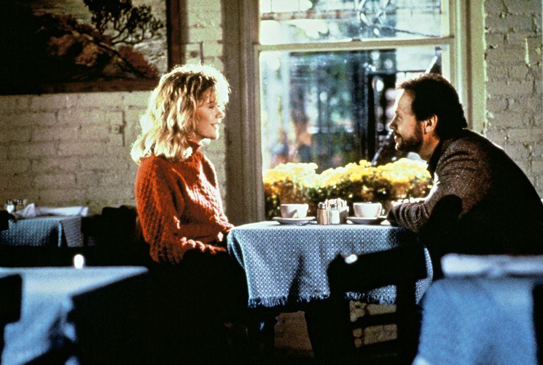 Freunde fürs Leben? Sally (Meg Ryan, l.) und Harry (Billy Crystal, r.) sind immer füreinander da ... - Bildquelle: Castle Rock Entertainment