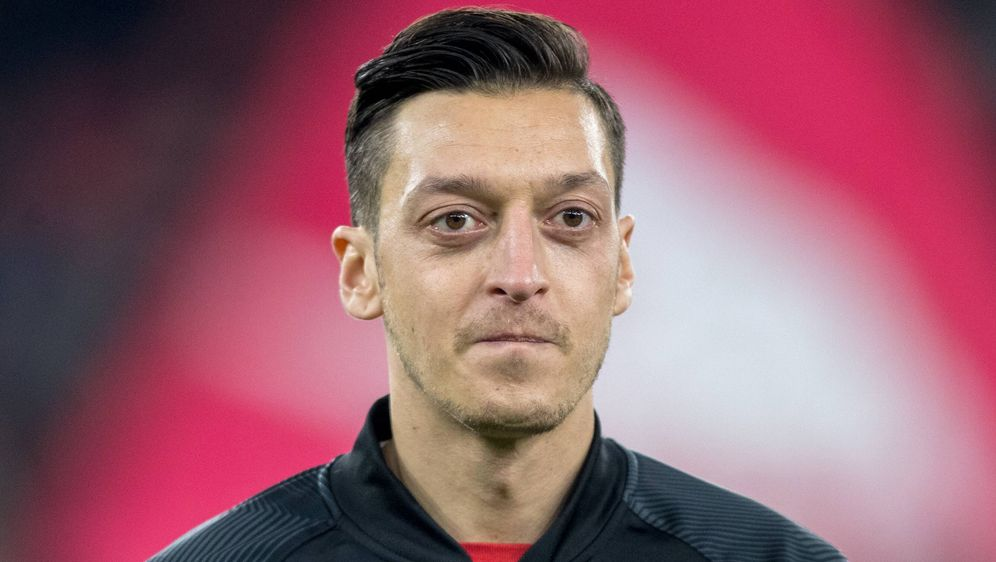 Mesut Özil möchte mit seinen Teams im eSport hoch hinaus – allerdings nicht ... - Bildquelle: imago