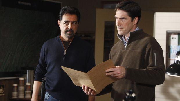 Werden mit einem neuen Fall beauftragt: Rossi (Joe Mantegna, l.) und Hotch (T...