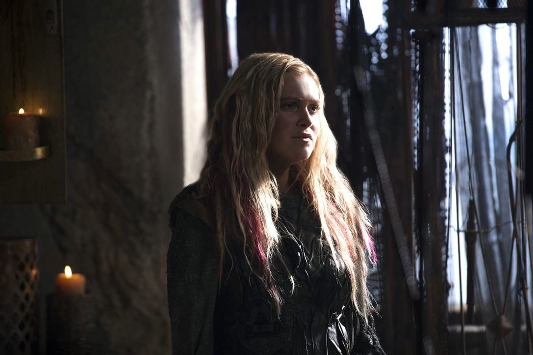 Lexa macht Clarke (Eliza Taylor) ein unerwartetes Angebot. Wird sie sich auf dieses einlassen? - Bildquelle: 2014 Warner Brothers