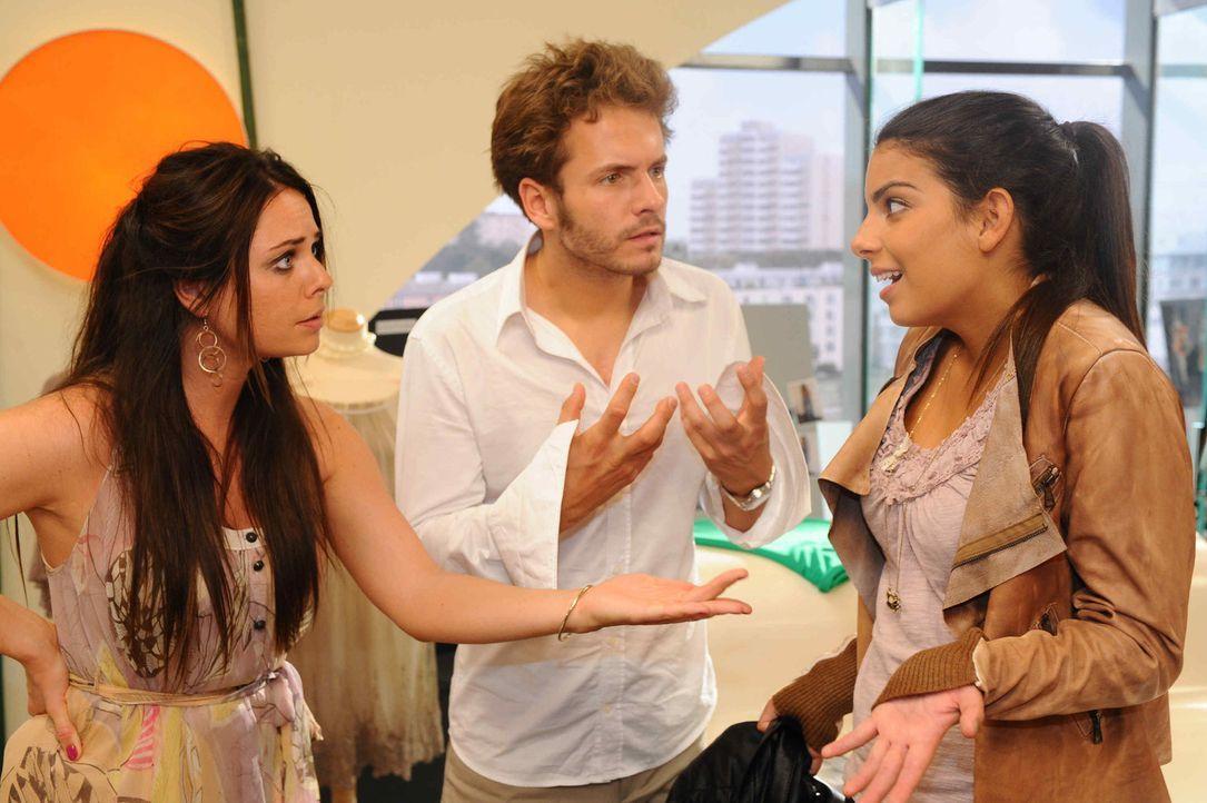 Paloma und Enrique begreifen schockiert, dass sich ihr Filmriss über Tage erschreckt: (v.l.n.r.) Paloma (Maja Maneiro), Enrique (Jacob Weigert) und... - Bildquelle: SAT.1