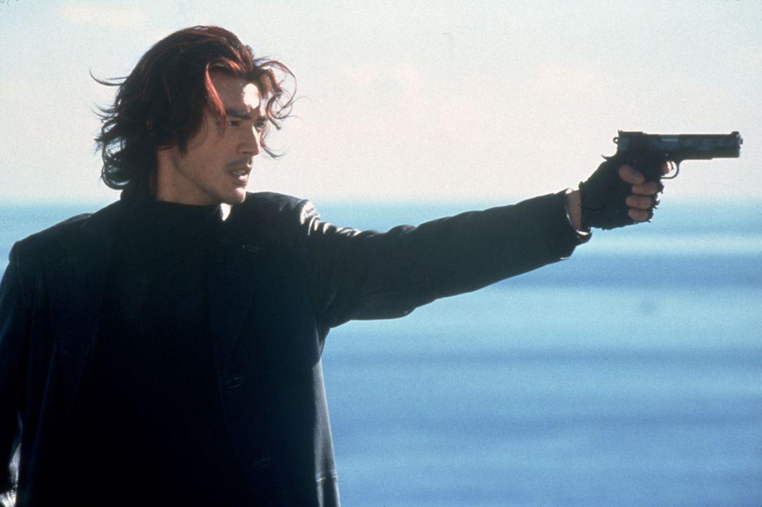 Während der Auftragskiller Miyamoto (Takeshi Kaneshiro) endlich seiner Erzfeind vor der Flinte hat, fällt ihm aus heiterem Himmel ein blutjunges M... - Bildquelle: CPT Holdings, Inc.  All Rights Reserved.