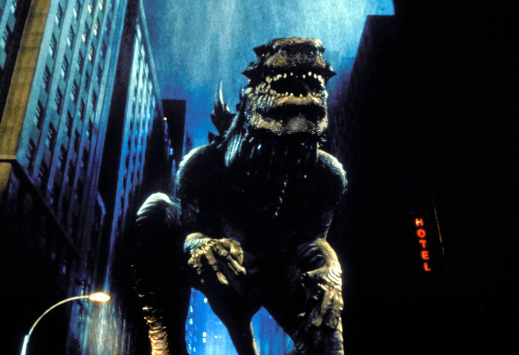 Als der Folge der französischen Atombombentests im Muroroa-Atoll mutiert ein Reptil zu einem gigantischen Koloss: Godzilla! Umgehend begibt sich da... - Bildquelle: 1998 TriStar Pictures, Inc. All Rights Reserved.