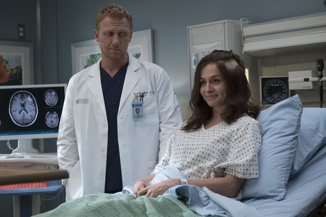 Owen (Kevin McKidd, l.) meidet Amelia (Caterina Scorsone, r.), als diese mit den Folgen der OP zu kämpfen hat. Wird das Auswirkungen auf ihre Ehe ha... - Bildquelle: Richard Cartwright 2017 American Broadcasting Companies, Inc. All rights reserved.