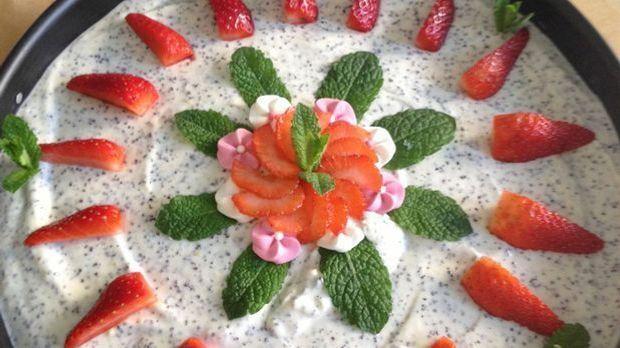 Frischkäsetorte mit Erdbeeren