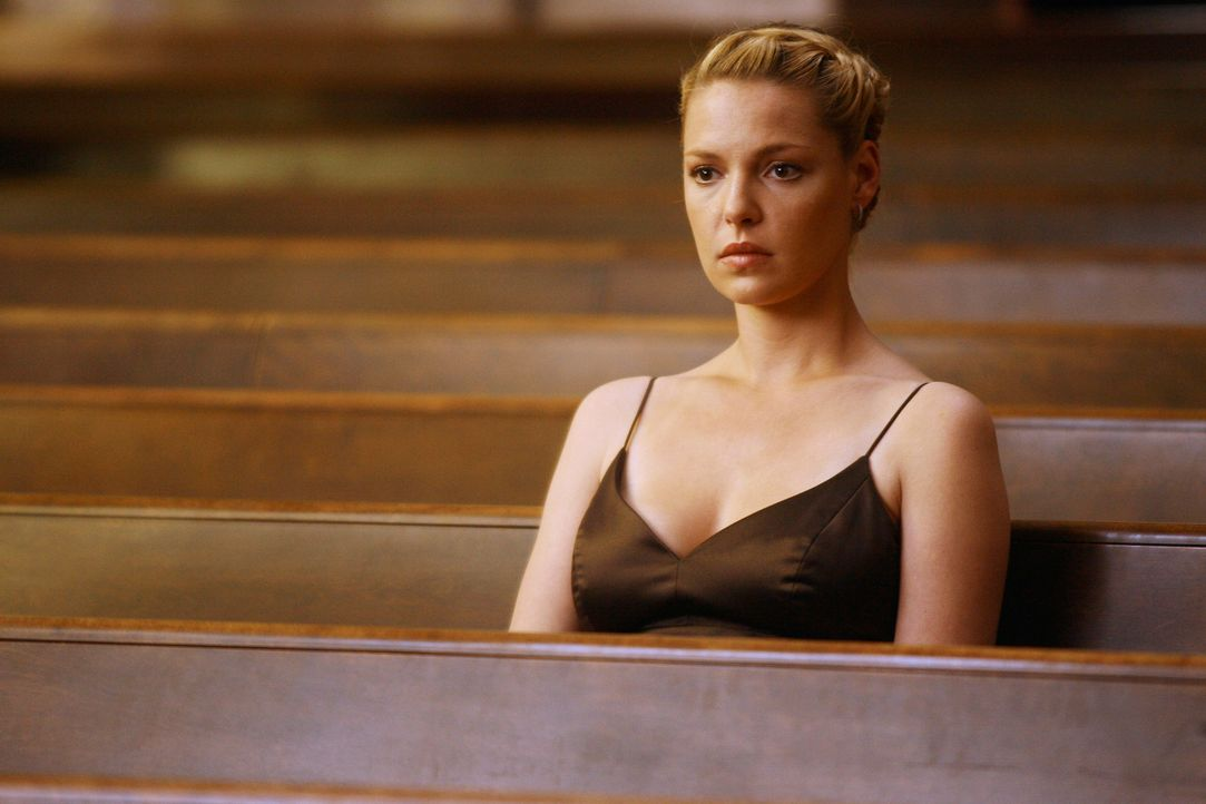 Izzie (Katherine Heigl) ist verzweifelt und kann nicht glauben, was da passiert ist ... - Bildquelle: Touchstone Television