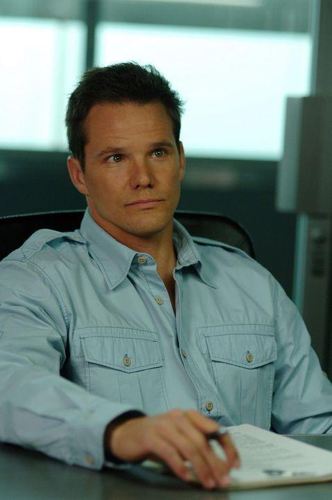 Gemeinsam mit seinen Kollegen ermittelt Coby (Dylan Bruno) in einem neuen verzwickten Fall ... - Bildquelle: Paramount Network Television