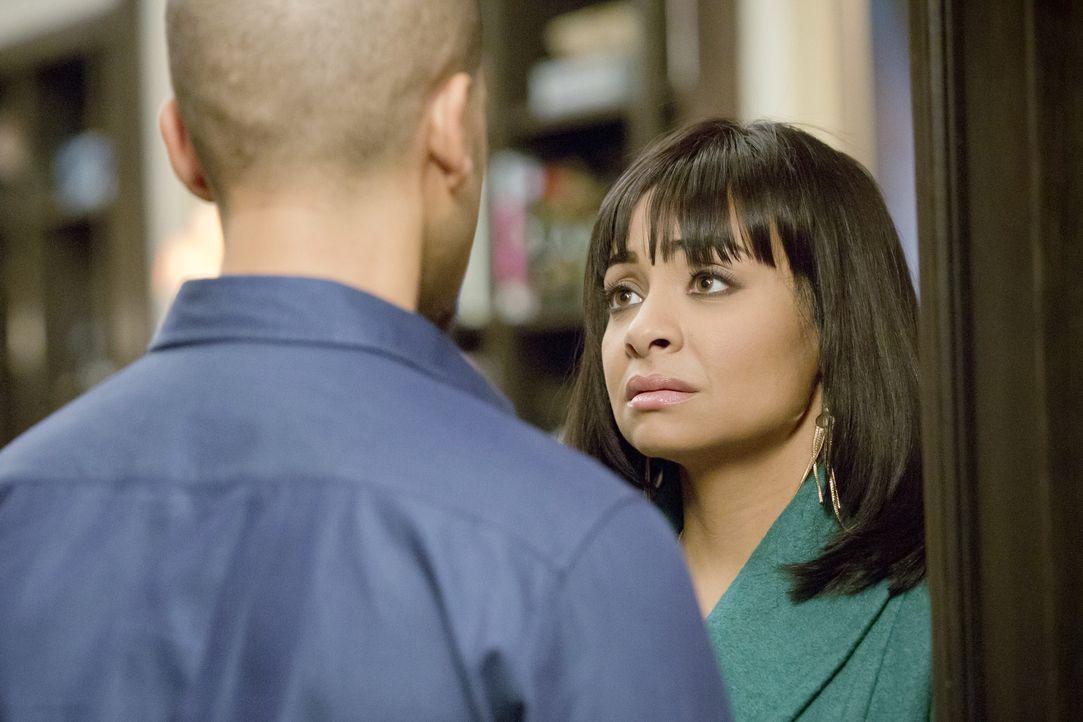 Olivia (Raven-Symoné, r.) gesteht ihrem Ex-Mann Jamal (Jussie Smollett, l.) im Vertrauen, dass sie Angst vor ihrem neuen Freund hat. Dann eskaliert... - Bildquelle: 2015 Fox and its related entities.  All rights reserved.