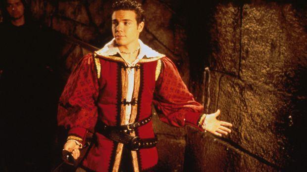 Im finsteren Mittelalter kann Zack (Jason McSkimming) seine Fechtkünste nicht...
