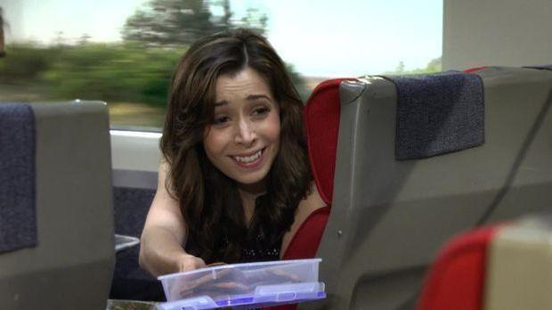 Die Mutter trifft Lily im Zug.