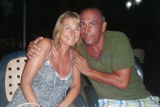 Ganz in Weiß - Auch nach vielen Ehejahren sind Veronika (l.) und Albert (r.)...