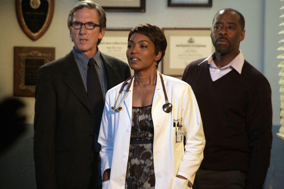 Gute Nchricht: Dr. Banfield (Angela Bassett, M.) bekommt gemeinsam mit ihrem Mann Russell (Courtney B. Vance, r.) die Chance, ein Baby zu adoptieren... - Bildquelle: Warner Bros. Television