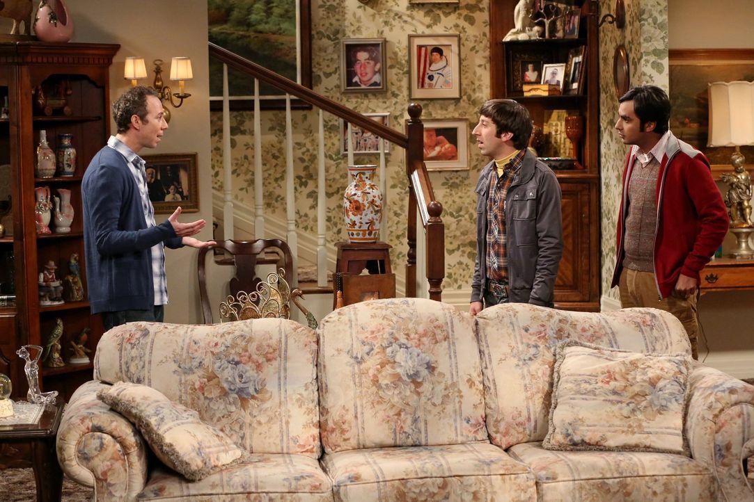 Howard (Simon Helberg, M.) reagiert entsetzt, als er feststellt, dass Stuart (Kevin Sussman, l.) immer noch nicht bei seiner Mutter ausgezogen ist,... - Bildquelle: Warner Brothers