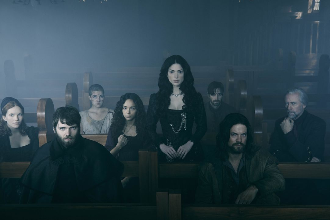(1. Staffel) - Hat Mary Sibley (Janet Montgomery, 4.v.r.) ihre Mitmenschen Anne Hale (Tamzin Merchant, l.), Cotton Mather (Seth Gabel, 2.v.l.), Merc... - Bildquelle: 2013-2014 Fox and its related entities.  All rights reserved.