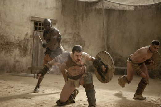 Spartacus: Blood and Sand - Drago (Peter Mensah, M.) versucht verzweifelt, Sp...