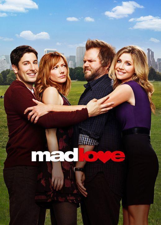 (1. Staffel) - Mad Love: (v.l.n.r.) Ben Parr (Jason Biggs), Connie Grabowski (Judy Greer), Larry Munsch (Tyler Labine) und Kate Swanson (Sarah Chalk... - Bildquelle: CPT Holdings, Inc. All Rights Reserved.