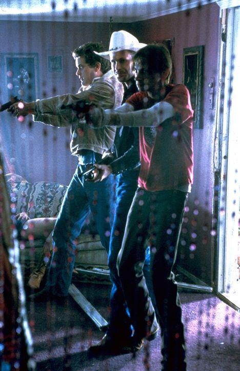 Plötzlich finden sich Earl (Joshua Jackson, l.), Jimbo (Matthew Davis, M.) und Junior (D.J. Qualls, r.) in einem großen Schlamassel wieder - so gr... - Bildquelle: TriStar Pictures