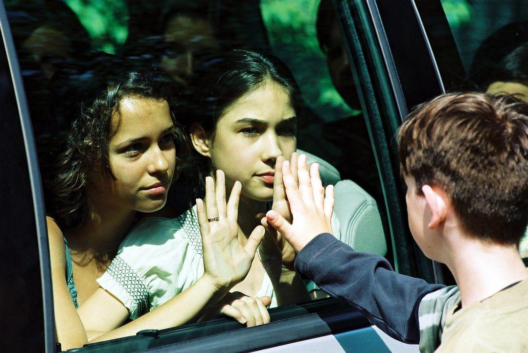 Plötzlich verschwindet Irena (Ida Nowakowska) aus dem Waisenhaus - und mit ihr eine Reihe anderer Kinder. Der Menschenhändler Faisal hat sie entf - Bildquelle: Franchise Pictures