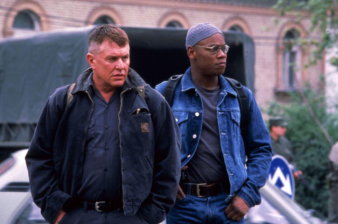 Sollen im Auftrag der CIA einen auf dem Balkan agierenden Terrorgeneral liquidieren: Cole (Bokeem Woodbine, r.) und Sergeant Thomas Beckett (Tom Ber... - Bildquelle: Columbia Pictures Corporation