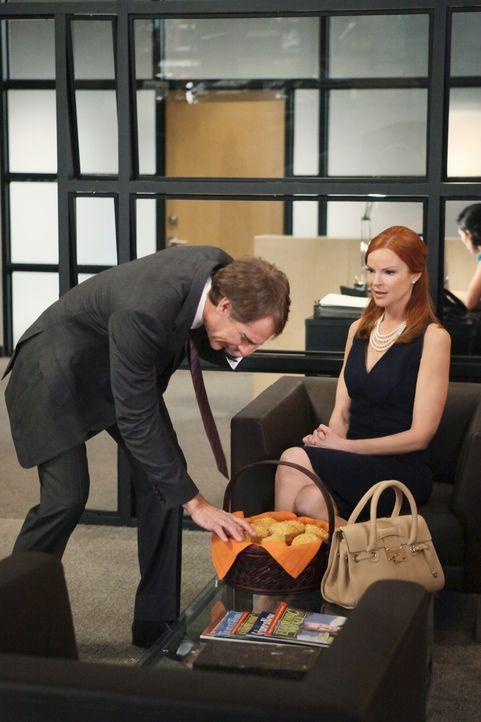 Während Susan entdeckt, dass Mike seit Jahren ein Geheimnis vor ihr verbarg, will Bree (Marcia Cross, r.) alles versuchen, den berühmtberüchtigten A... - Bildquelle: ABC Studios