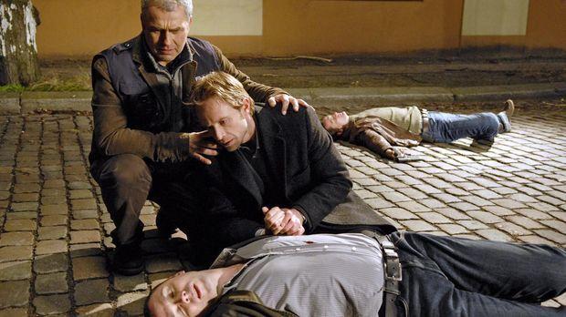 Philip (Julian Weigend, r.) und Paul (Hansa Czypionka, l.) eilen dem niederge...