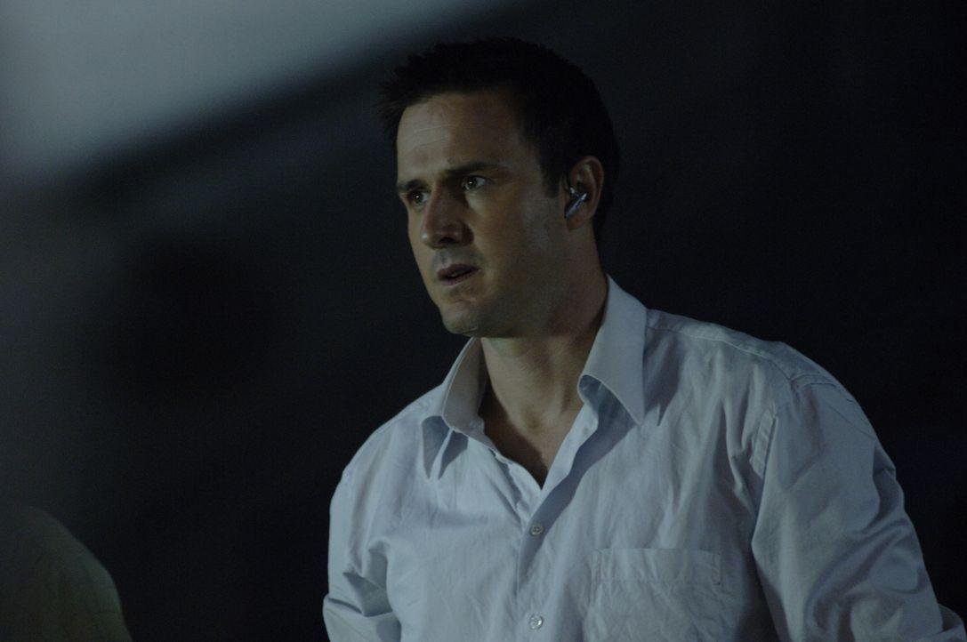 Gerät in große Gefahr: Mike Bookman (David Arquette) ... - Bildquelle: CBS International Television