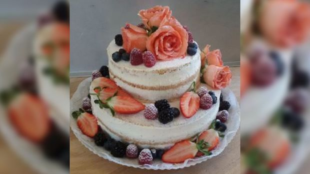 Janine Naked Cake