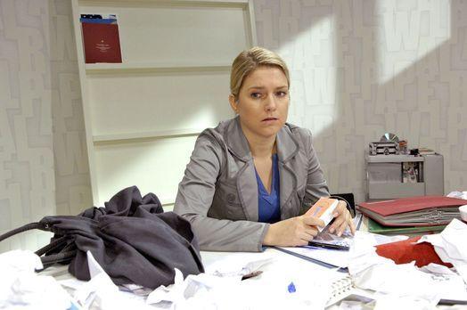 Anna und die Liebe - Anna (Jeanette Biedermann) redet sich ein, keine Pillen...