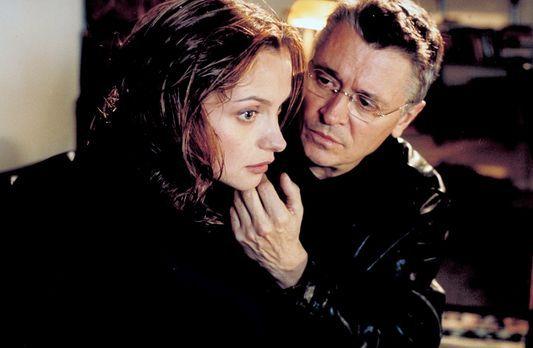 Der Mörder in meiner Nähe - Schon bald kommt Sylvie (Catherine Flemming, l.)...