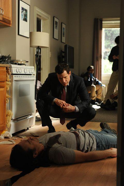 Carrie und Al (Dylan Walsh) ermitteln im Mordfall des alleinerziehenden Vaters Marshall Smith und gelangen schnell zu der festen Überzeugung, dass s... - Bildquelle: 2011 CBS Broadcasting Inc. All Rights Reserved.