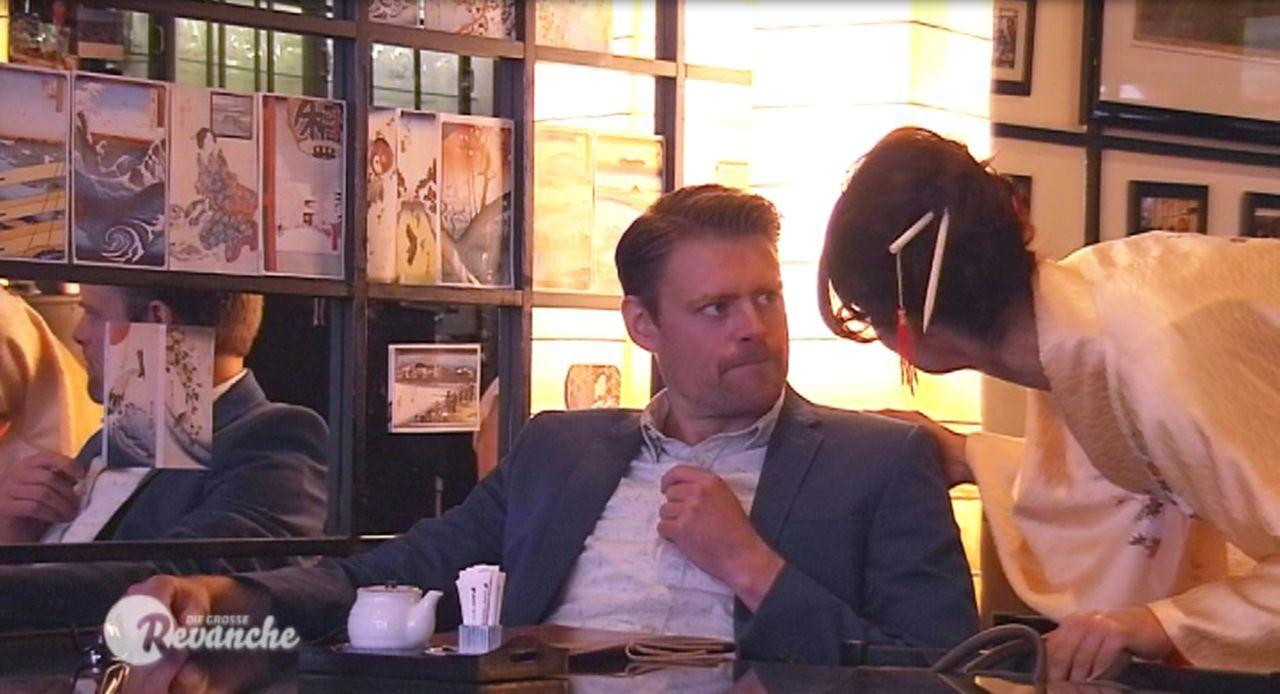 Wer ist Opfer, wer Täter? Max Giermann (l.) und Marlene Lufen (r.) ... - Bildquelle: Sat.1