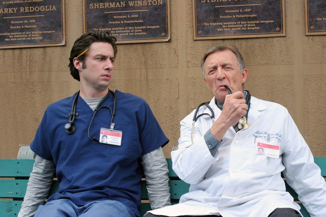 Gönnen sich ein kleines Päuschen: Dr. Bob Kelso (Ken Jenkins, r.) und J.D. (Zach Braff, l.) ... - Bildquelle: Touchstone Television