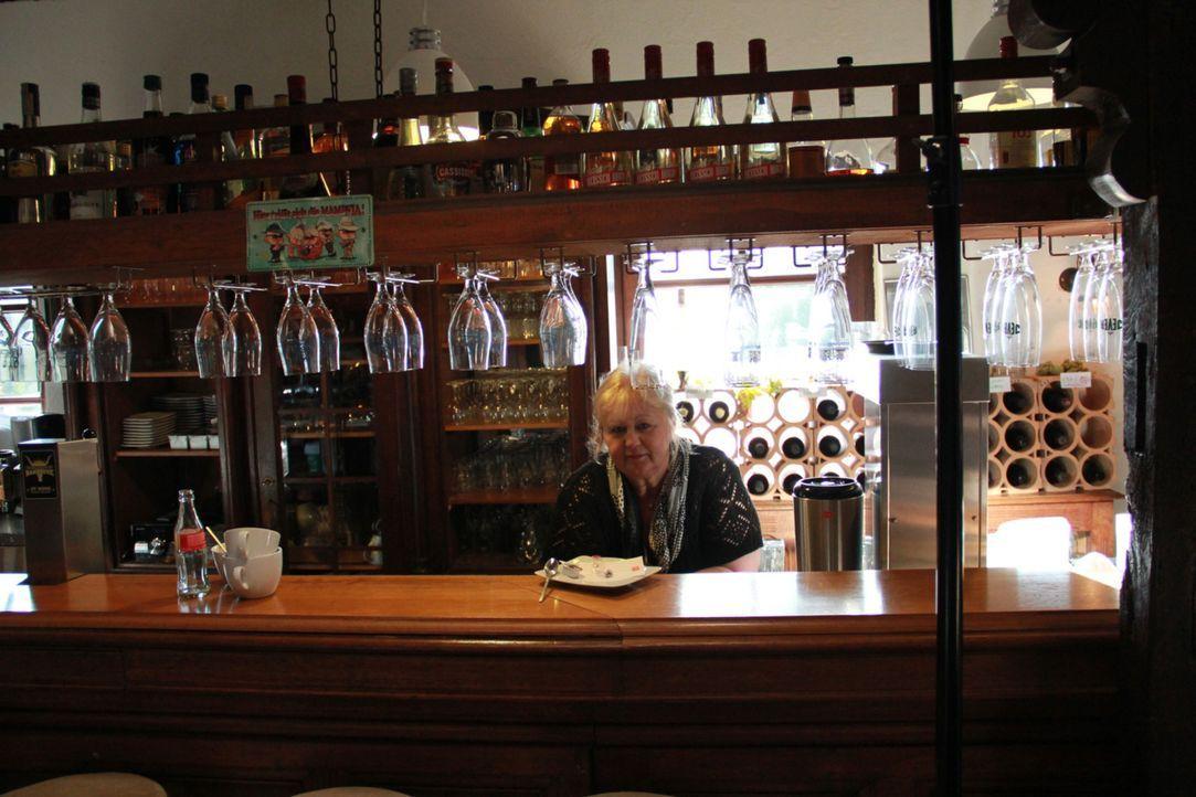 """Annette Reinicke und ihre Mann brauchen dringend die Hilfe von Frank Rosin in ihrem """"West Virginia in der Witwe Bolte"""". Doch wird es dem Sternekoch... - Bildquelle: kabel eins"""