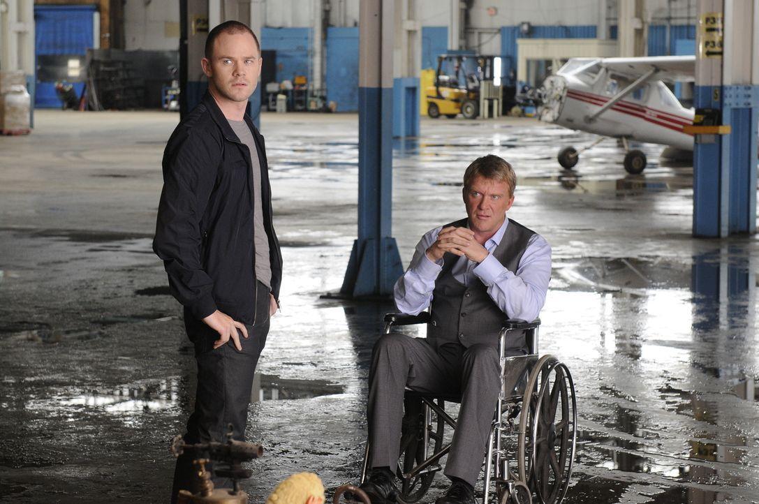(v.l.n.r.) Steve Jinks (Aaron Ashmore); Walter Sykes (Anthony Michael Hall) - Bildquelle: Steve Wilkie Steve Wilkie/Syfy