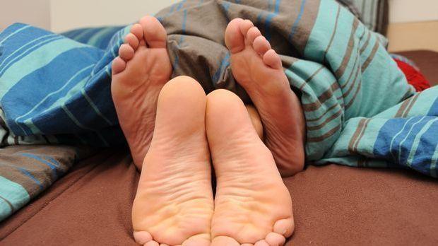 Mit zusammengepressten Beinen erleben Sie die Missionarsstellung neu.