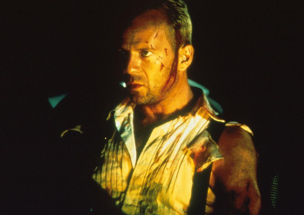 Nur ein Mann kann den Sieg des Anti-Elements noch verhindern: Korben Dallas (Bruce Willis) ... - Bildquelle: Tobis Filmkunst