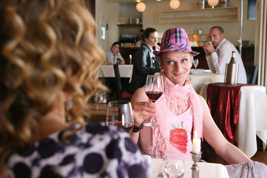 Eines der 10 Outfits, die man (Michael Kessler) beim ersten Date lieber nicht tragen sollte ... - Bildquelle: Ralf Jürgens Sat.1