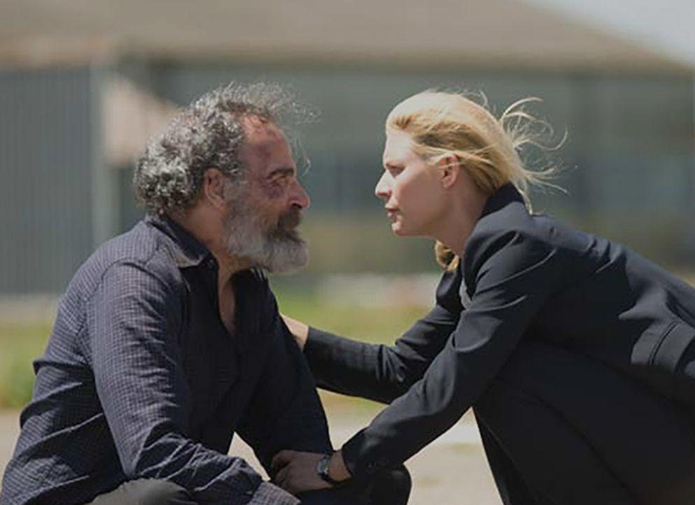 Saul (Mandy Patinkin, l.) weigert sich, am geplanten Gefangenenaustausch teilzunehmen. Er will lieber seinen Tod, als fünf Gefangene der US-Regierun... - Bildquelle: 2014 Twentieth Century Fox Film Corporation