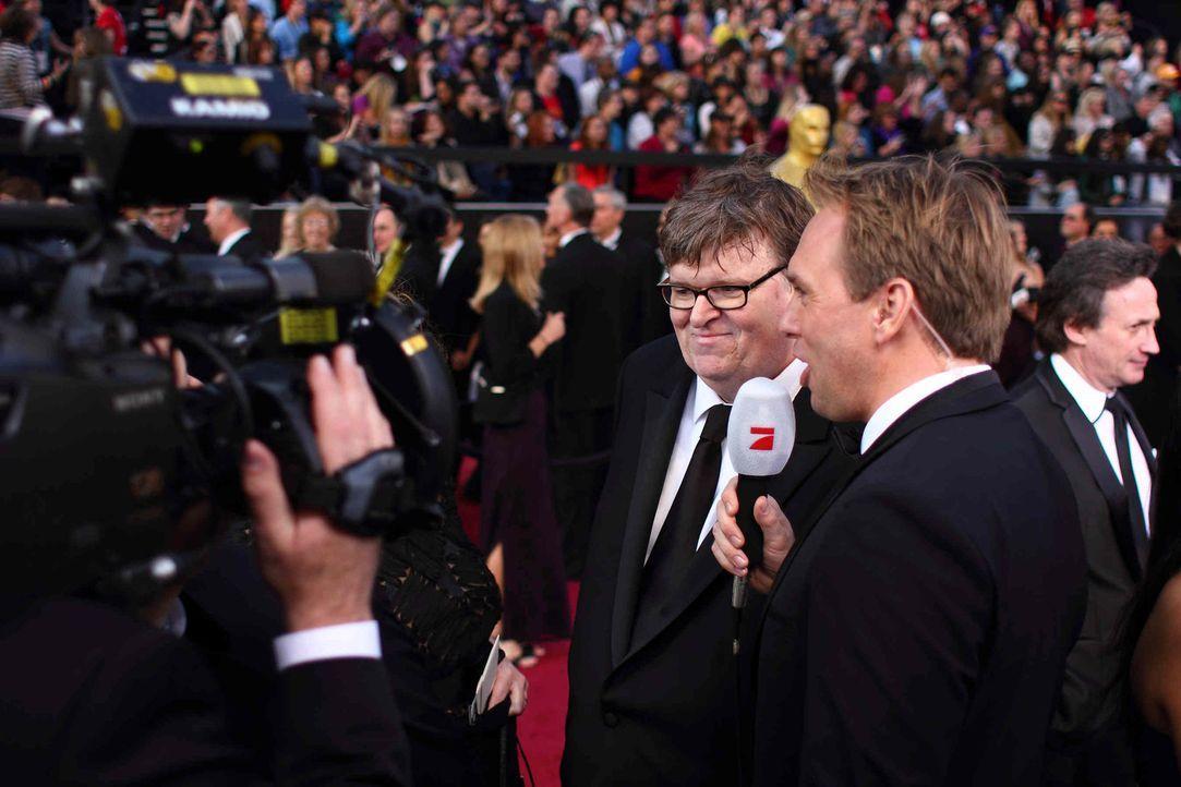 Auch in diesem Jahr wird Steven Gätjen (r.) wieder am roten Teppich stehen ... (Fotos sind von der Verleihung 2012) - Bildquelle: Martin Ehleben ProSieben