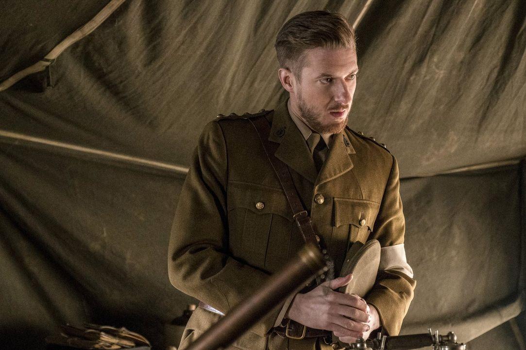 Auf der Suche nach einem wichtigen Informanten müssen Rip (Arthur Darvill) und die Legends in den Ersten Weltkrieg ziehen, nicht ahnend, dass sie sc... - Bildquelle: Warner Brothers