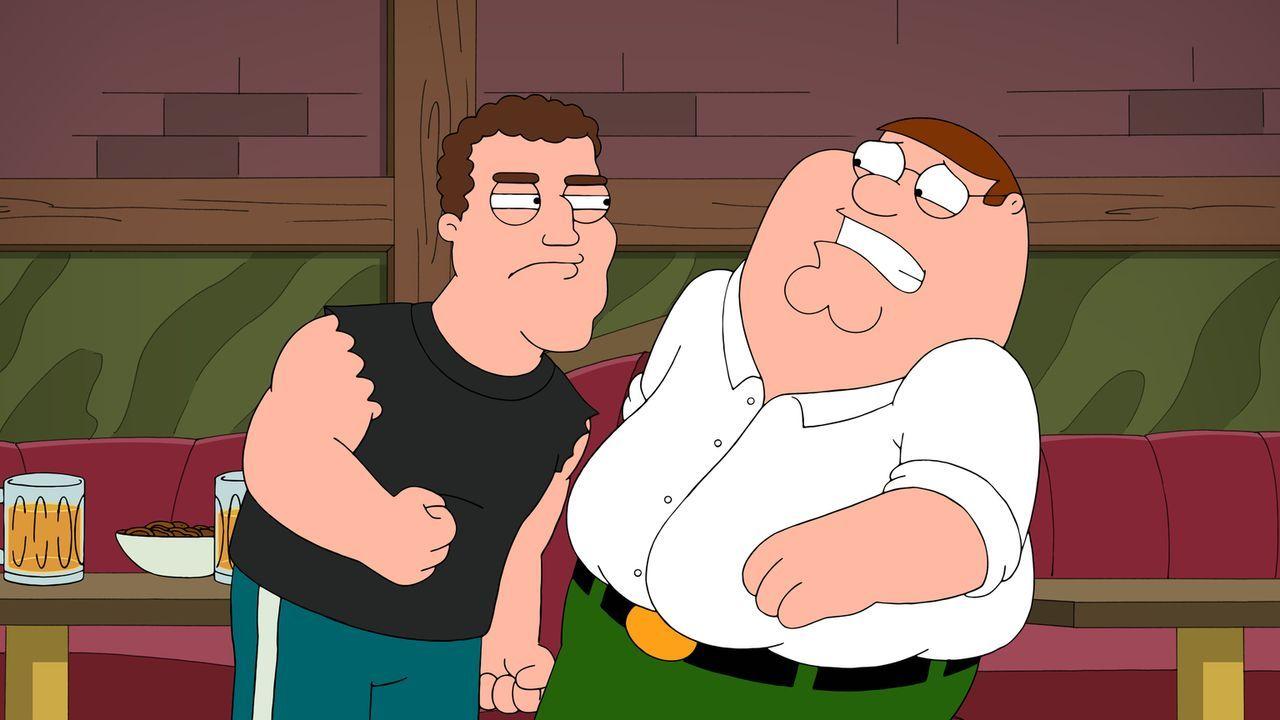 Um nicht als Feiglinge dazustehen, legen sich Peter (r.), Joe und Quagmire mit den Typen an, die an ihrem Stammtisch sitzen. Doch ist das wirklich eine gute Idee?