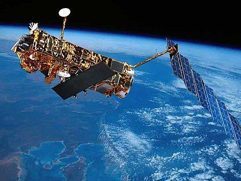 """""""Envisat"""" umkreist seit zehn Jahren 14 Mal am Tag die Erde. (dpa) - Bildquelle: dpa"""