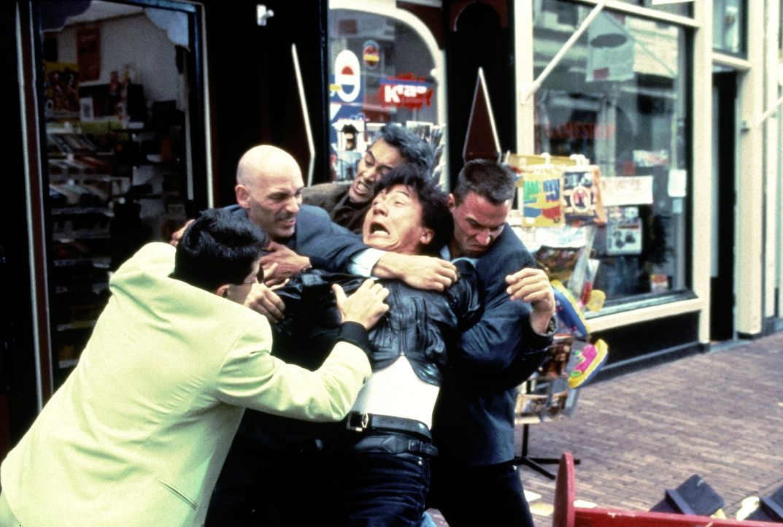 In der Klemme: Whoami (Jackie Chan, M.) ... - Bildquelle: Columbia TriStar Film