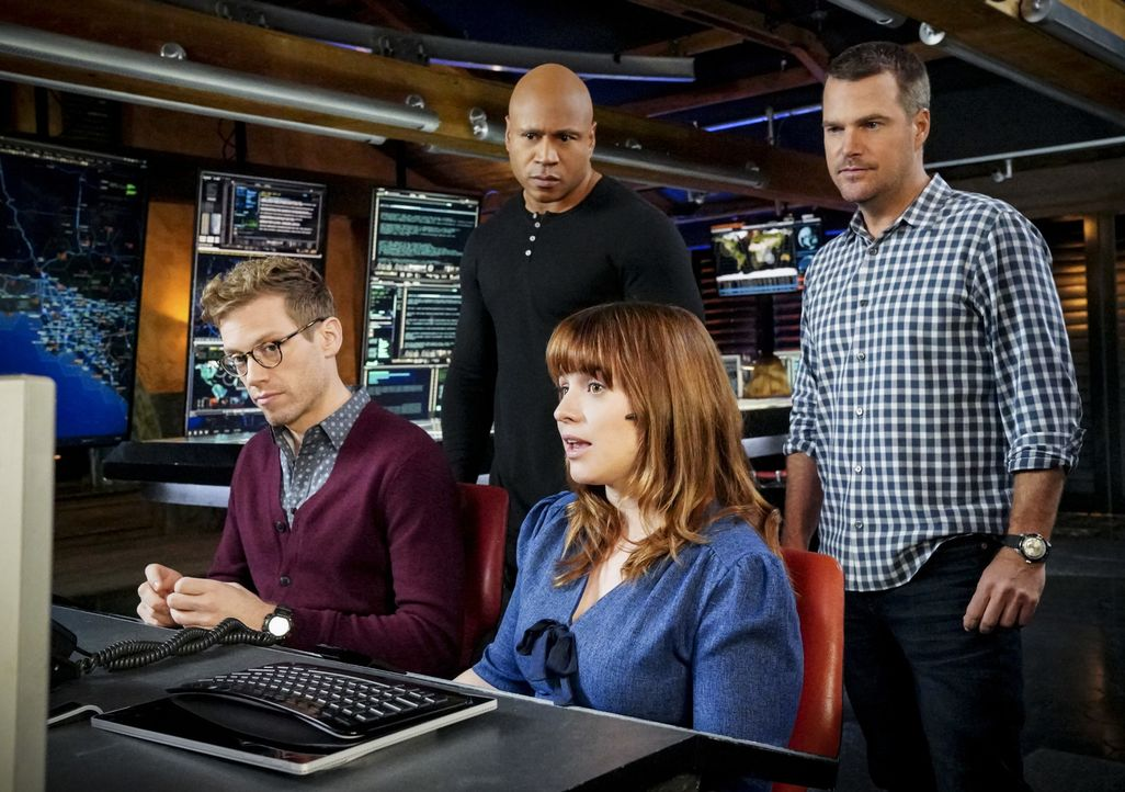(v.l.n.r.) Eric Beale (Barrett Foa); Sam Hanna (LL Cool J); Nell Jones (Renée Felice Smith); G. Callen (Chris O'Donnell) - Bildquelle: Bill Inoshita 2018 CBS Broadcasting, Inc. All Rights Reserved/Bill Inoshita