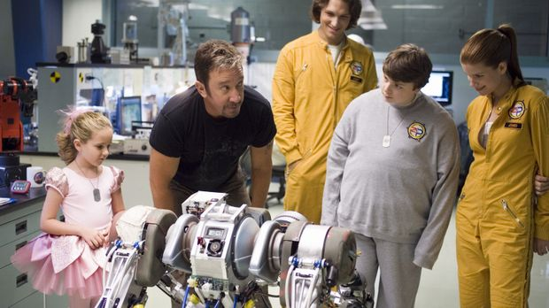 In seiner neuen Mission bekommt der Superheld Jack Shepard Unterstützung von...