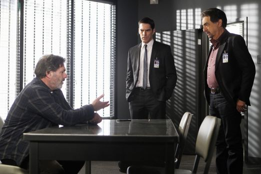 Criminal Minds - Hat Bruce Morrison (Ken Olin, l.) etwas mit dem Verschwinden...
