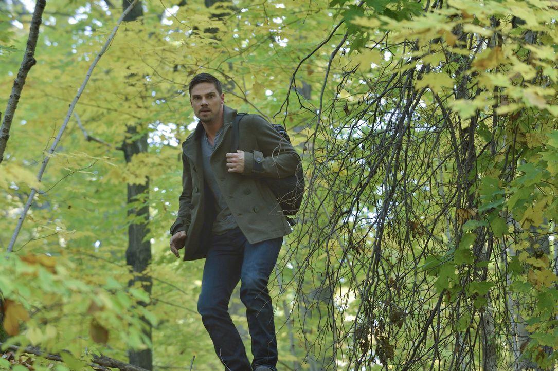 Bob hat ihn und Catherine dort, wo er sie haben möchte: Vincent (Jay Ryan) ... - Bildquelle: Ben Mark Holzberg 2015 The CW Network, LLC. All rights reserved.