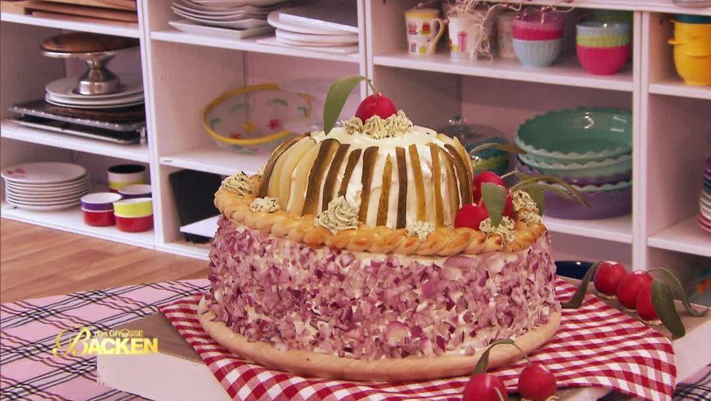 Mett-Torte mit Essiggurke
