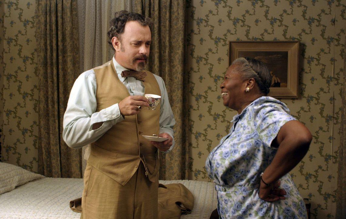 Unglücklicherweise ahnt Mrs. Munson (Irma P. Hall, r.) nicht, wer der neue Untermieter ist: Professor Goldthwait Higginson Dorr (Tom Hanks, l.) ist... - Bildquelle: Touchstone Pictures. All rights reserved